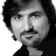 Andreas Zafiriadis Salon Buzz Owner
