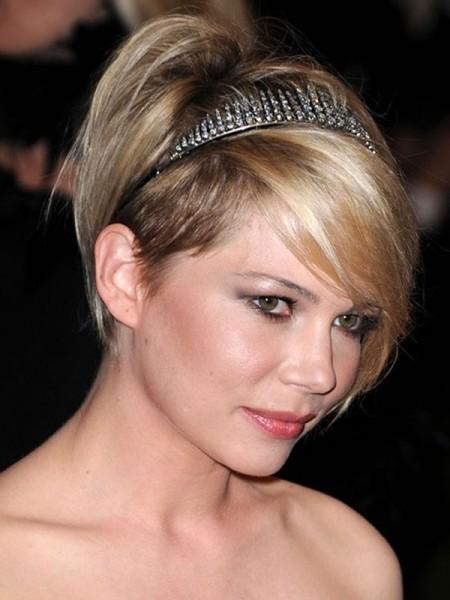 Michelle Williams fall headband fashion_Salon Buzz Stay Gorgeous