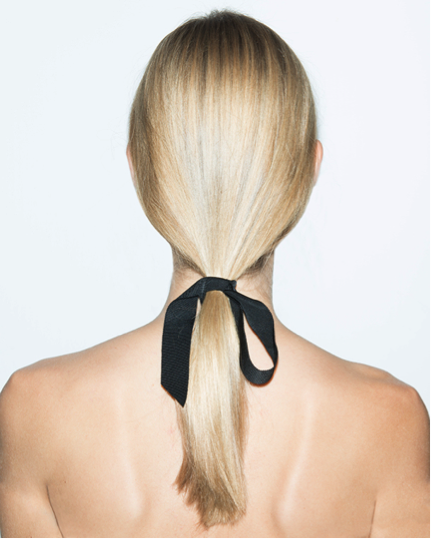 holiday-hair-bowtie-oscardelarenta