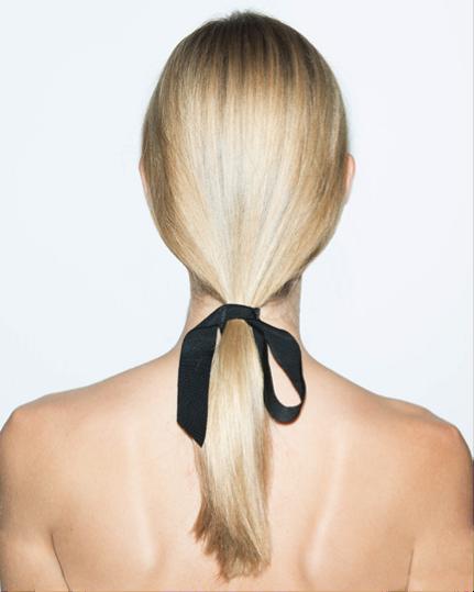 holiday-hair-bowtie-oscardelarenta